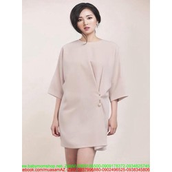 Đầm suông dài tay thiết kế dơn giản đính ngọc trai chéo sành điệu