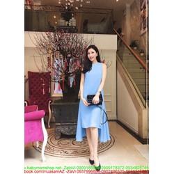 Đầm suông sát nách thiết kế xẻ tà sành điệu và hiện đại
