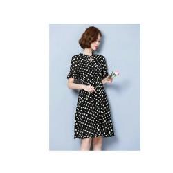 Đầm xòe chấm bi tay bèo
