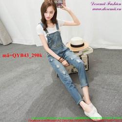 Quần yếm jean dài rách 2 bên phong cách cá tính