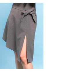 Chân váy chữ A xẻ thắt hông