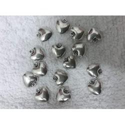10 Mặt trái tim màu bạc