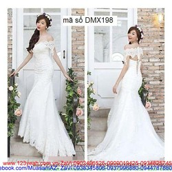 Đầm ren cô dâu trễ vai váy đuôi cá kiêu sa