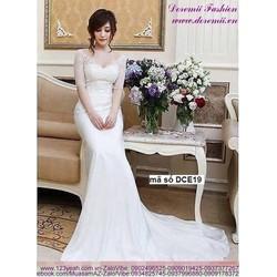 Đầm cô dâu ren tay lỡ trể vai sang trọng quyến rũ
