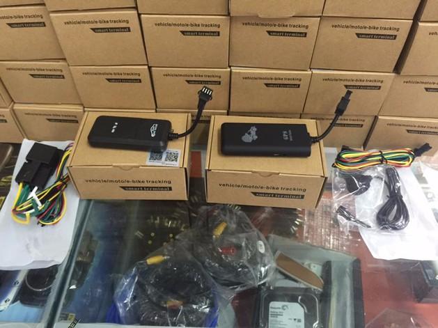 Thiết bị định vị cho oto, xe máy GPS tracker VIKOTECH 4
