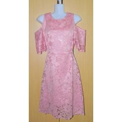 Đầm ren hở vai