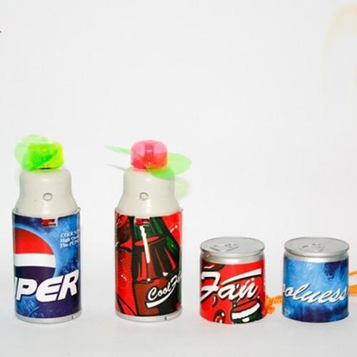 Đồ chơi quạt mini cầm tay dùng pin hình lon Coca, Pepsi