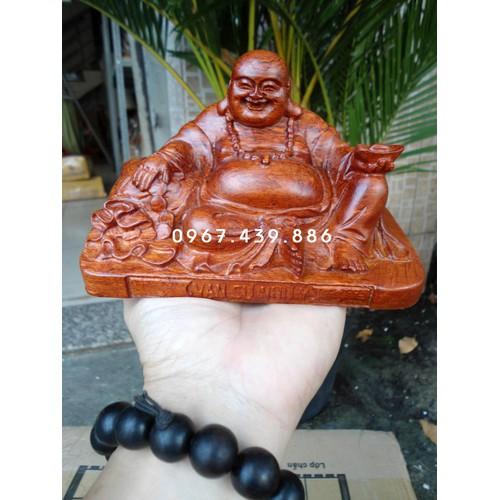 Phật Di Lặc để xe ô tô gỗ hương - DL09HC1