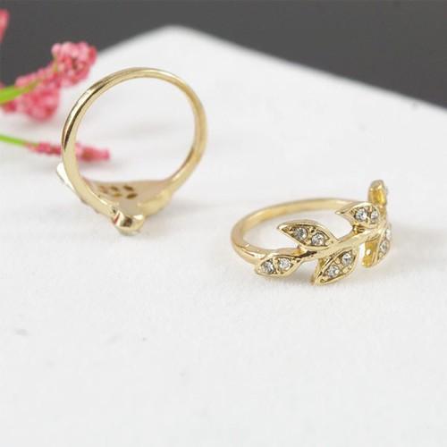 Nhẫn nữ họa tiết xinh xắn