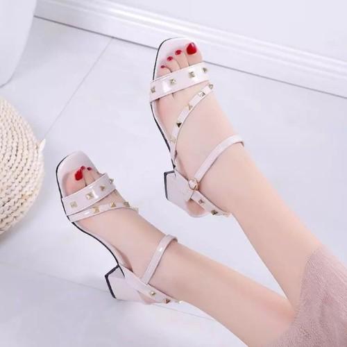 Giày sandal gót vuông quai nạm đinh cao cấp -trắng - 5758669 , 12219765 , 15_12219765 , 280000 , Giay-sandal-got-vuong-quai-nam-dinh-cao-cap-trang-15_12219765 , sendo.vn , Giày sandal gót vuông quai nạm đinh cao cấp -trắng