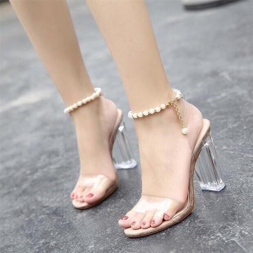 Giày cao gót quai ngọc trai