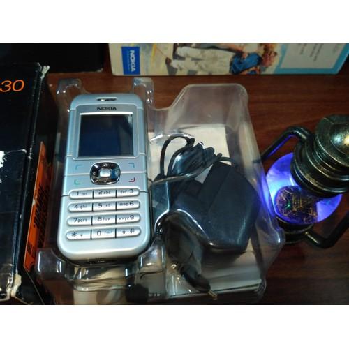 Điện thoại Nokia 6030 full phụ kiện