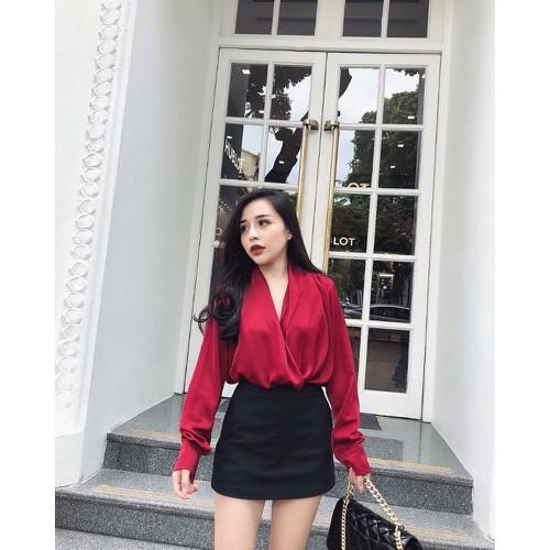 Sét áo kiểu tay dài đắp chéo phối chân váy đen