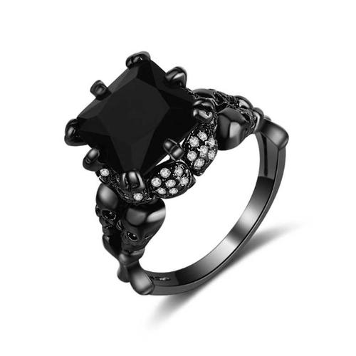 Nhẫn đính đá đen