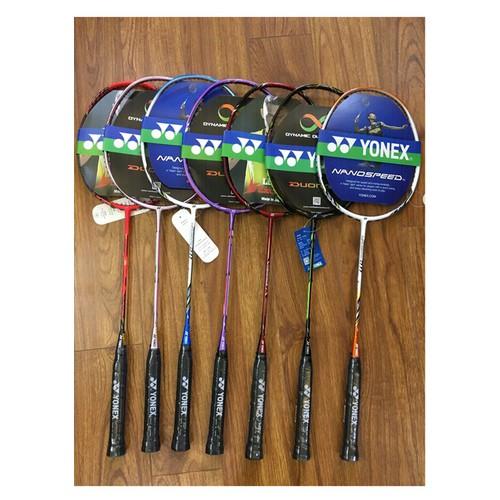 vợt cầu lông yonex khung cacbon khuyến mãi căng dây và cuốn cán