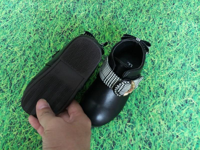 Giày cho bé gái 1