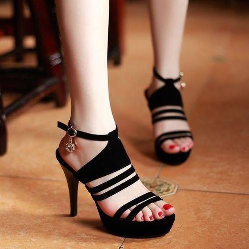 giày dây chuông đá