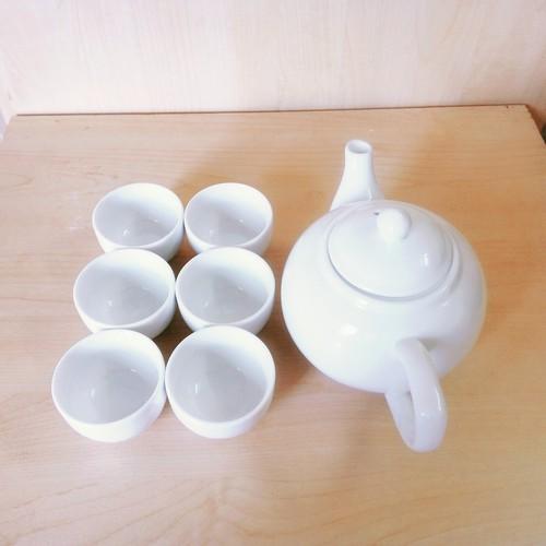 Bộ ấm chén uống trà Bát Tràng, cỡ vừa chén không quai