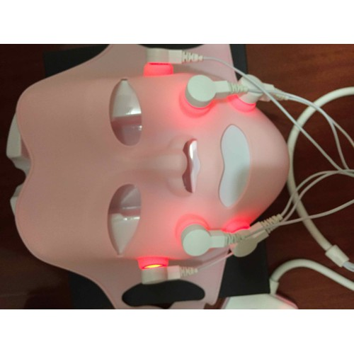 Mặt nạ nâng cơ massage hồng ngoại