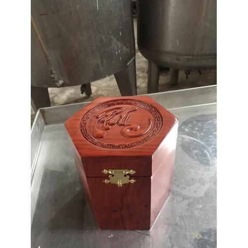 hộp  đựng trà  bằng gỗ chữ phúc