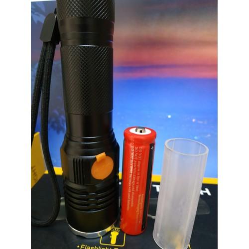Đèn pin siêu sáng CYX-004