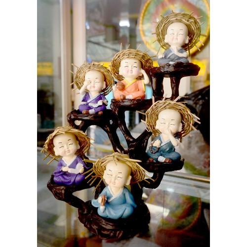 Đế cao 6 tầng đặt tượng chú tiểu để bàn,trưng tủ kính