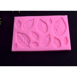 Khuôn silicon 3D 12 lá hoa hồng