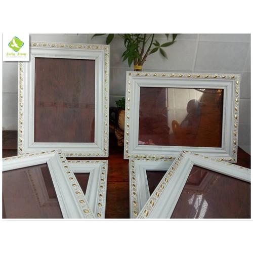Bộ 6 khung ảnh trắng vàng 13x18cm để bàn - treo tường - 5624920 , 12051920 , 15_12051920 , 207000 , Bo-6-khung-anh-trang-vang-13x18cm-de-ban-treo-tuong-15_12051920 , sendo.vn , Bộ 6 khung ảnh trắng vàng 13x18cm để bàn - treo tường