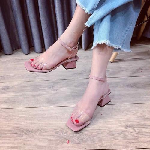 Giày sandal cao gót đế vuông