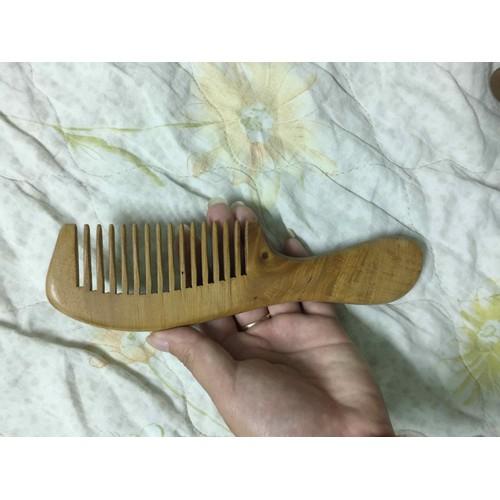 lược gỗ thơm chải tóc