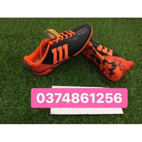 giày đá bóng sân cỏ