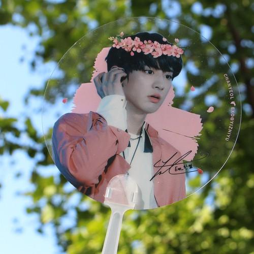 Quạt cầm tay Chanyeol Exo tròn dễ thương