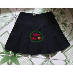 Chân váy xếp ly ngắn khóa ngọc có lót quần