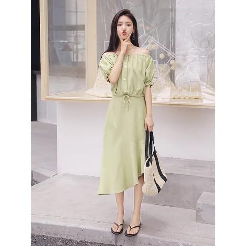 Set áo bẹt vai chân váy lệch tà phong cách Hàn Quốc