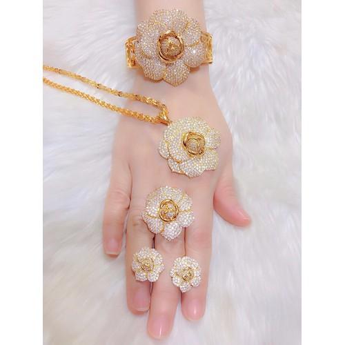 bộ trang sức 4 món dát vàng 18k hình bông hoa - 6339121 , 12937122 , 15_12937122 , 690000 , bo-trang-suc-4-mon-dat-vang-18k-hinh-bong-hoa-15_12937122 , sendo.vn , bộ trang sức 4 món dát vàng 18k hình bông hoa