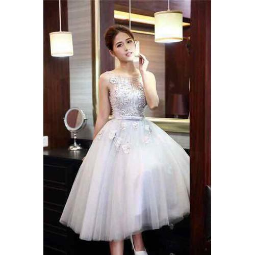 Đầm xoè ren hoa công chúa