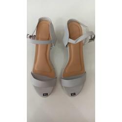 Sandal cao gót vuông xám