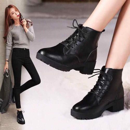 Giày boot nữ cổ cao đế 3cm - 6452583 , 13081307 , 15_13081307 , 230000 , Giay-boot-nu-co-cao-de-3cm-15_13081307 , sendo.vn , Giày boot nữ cổ cao đế 3cm