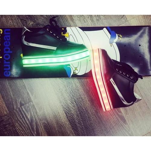 Giày phát sáng đèn led cao cổ độn đế màu đen - giày phát sáng cá tính nam nữ