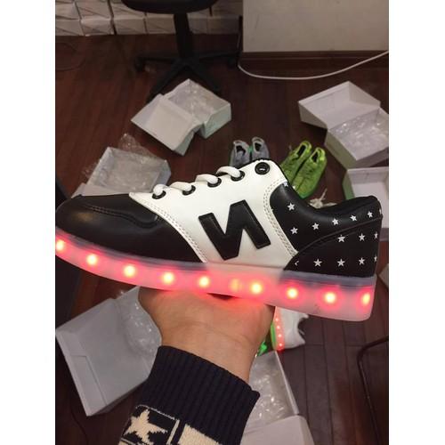 Giày phát sáng chữ N da bóng trắng pha đen - tặng kèm sạc