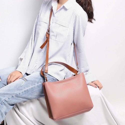 Túi nữ dáng vuông - Mầu hồng phấn