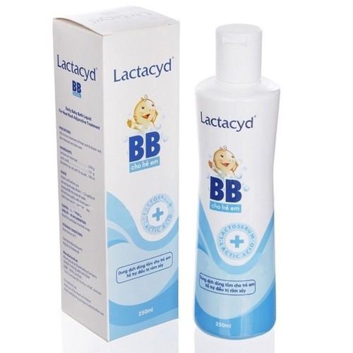 Dung dịch Lactacyd BB tắm cho bé - Chai 250 ml
