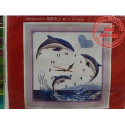 Tranh thêu chữ thập đồng hồ cá heo