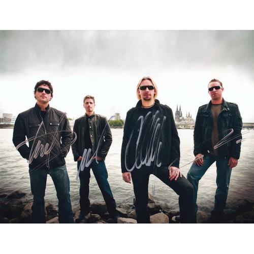 Chữ ký tay của nhóm Nickelback 21x29cm