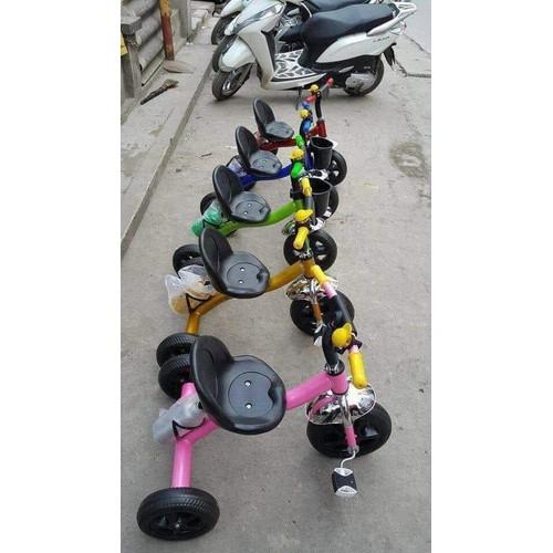 xe đạp 3 bánh kèm bình nước