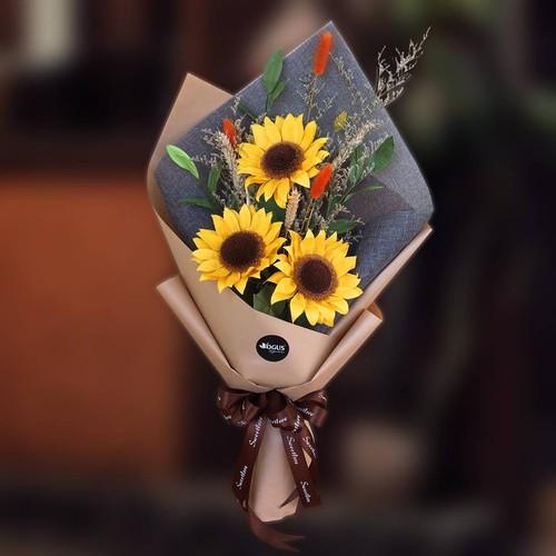 Bó hoa Hướng dương 3 bông - 6715518 , 13401398 , 15_13401398 , 420000 , Bo-hoa-Huong-duong-3-bong-15_13401398 , sendo.vn , Bó hoa Hướng dương 3 bông