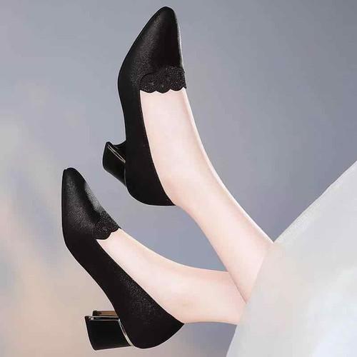 Giày viền đá lazer