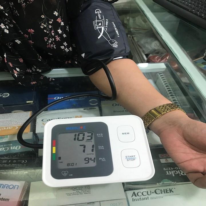 Combo siêu khủng máy huyết áp của đức, cân sức khỏe của ý, máy lấy ráy tai tự động của nhật. - huyết áp,cân ,máy lấy ráy tai 5