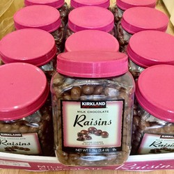 Kẹo Socola sữa nhân nho khô Kirkland Milk Chocolate Raisins 1.5kg