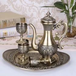 Bình trà hoàng gia